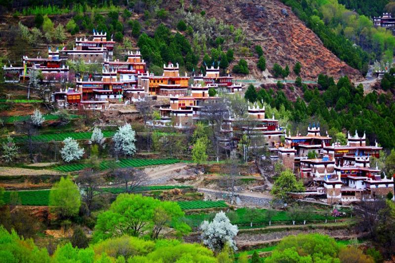 Travel Sichuan - Take a road trip to Danba
